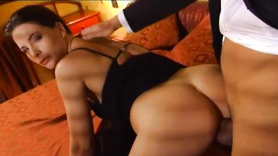 Секс анал в номере отеля